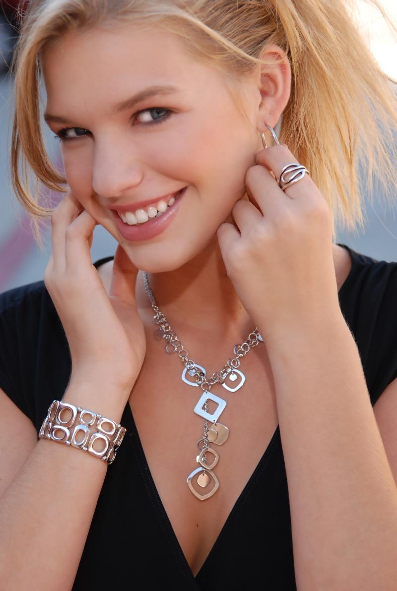 Jul 31, 2008 Haywood Best Photos Lia Sophia Jewelry Tear