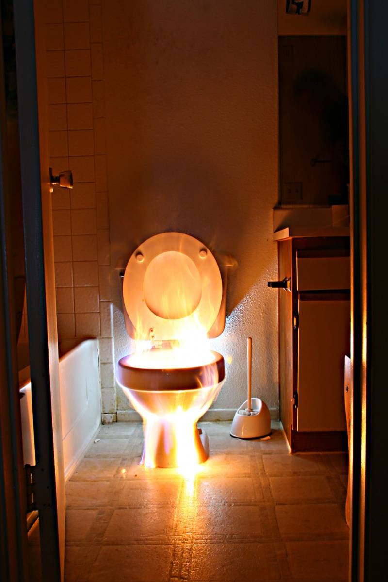 Las Vegas, Nevada Aug 05, 2008 Life Two Photography Fire Loo (Dont try this at home) (Or at work)