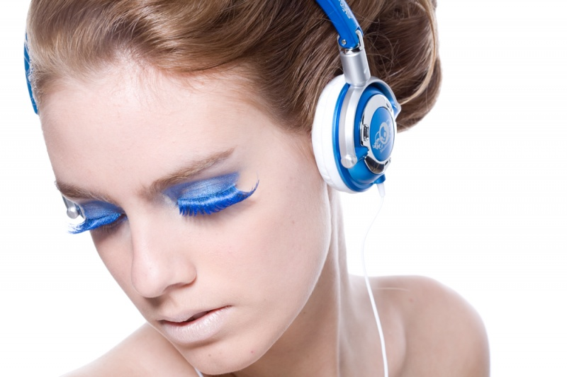 Aug 05, 2008 Headphone ad