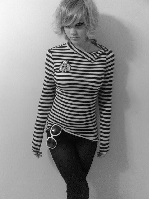 Aug 08, 2008 Blondie. Taken with a Sidekick LX. =)