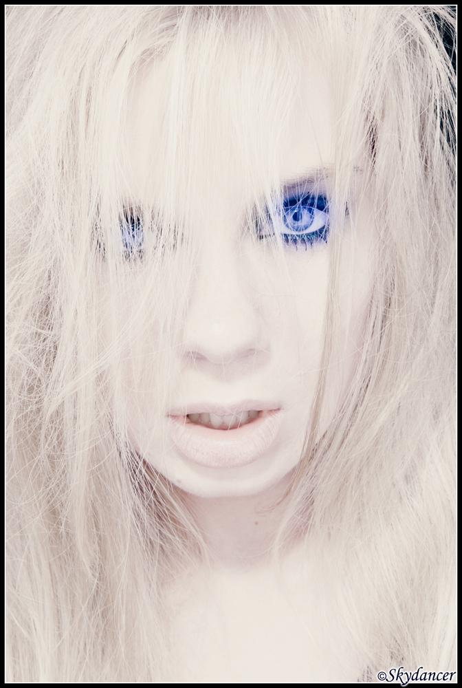 Aug 13, 2008 (c)Skydancer Her Burning Blue Eyes