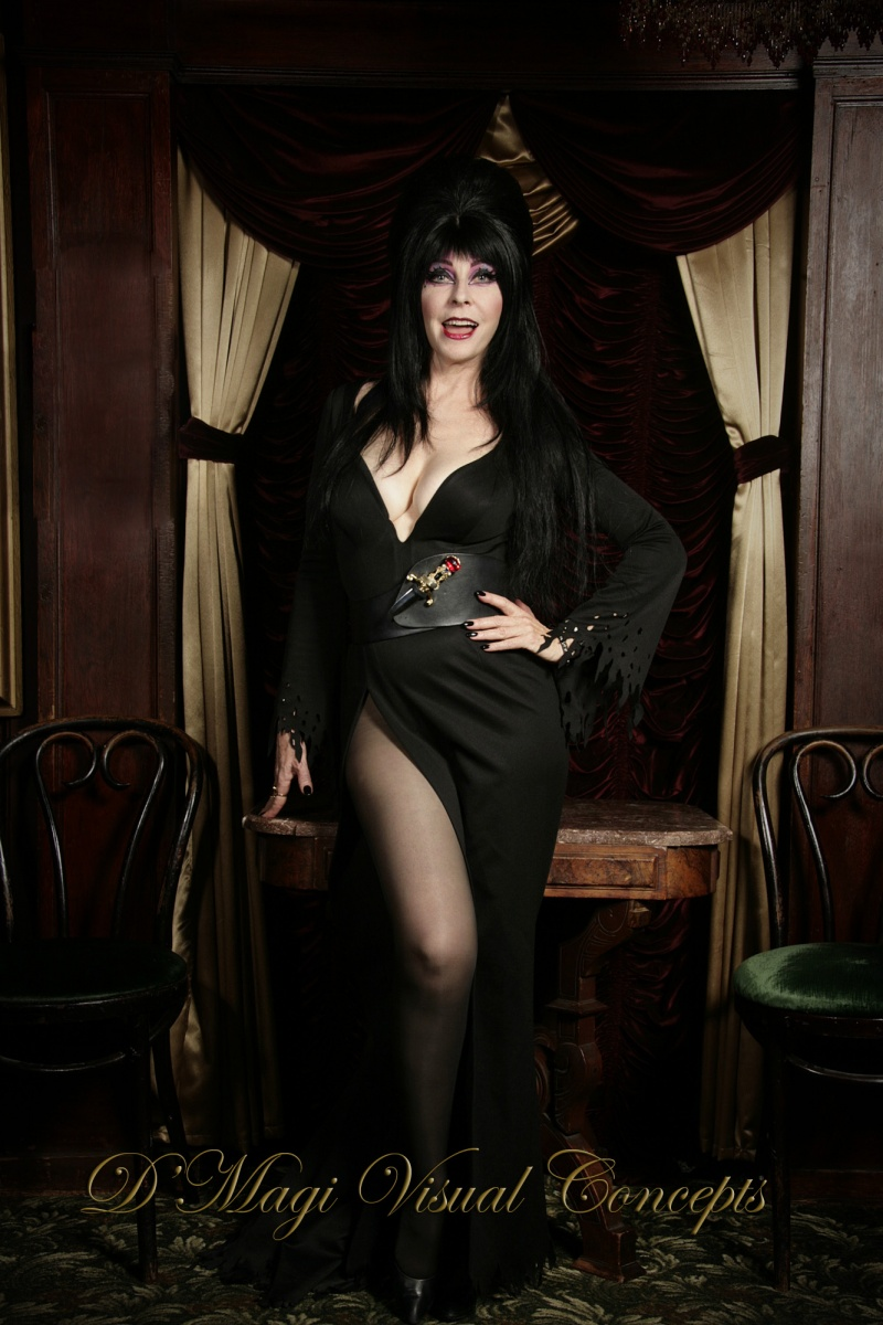 The Magic Castle - Hollywood Aug 17, 2008 © 2008 DMagi Visual Concepts Elvira - Mistress of the Dark (The Real One)