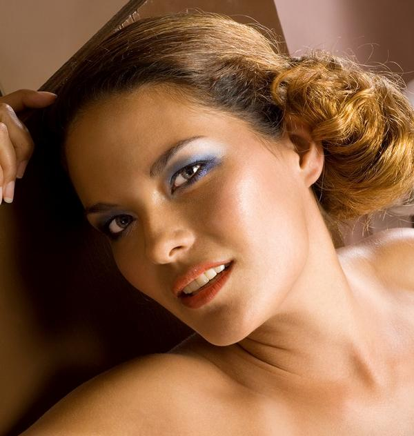 Female model photo shoot of Piliwale