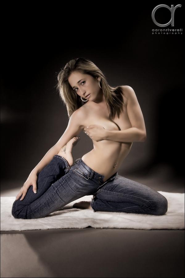 Female model photo shoot of Jenna7