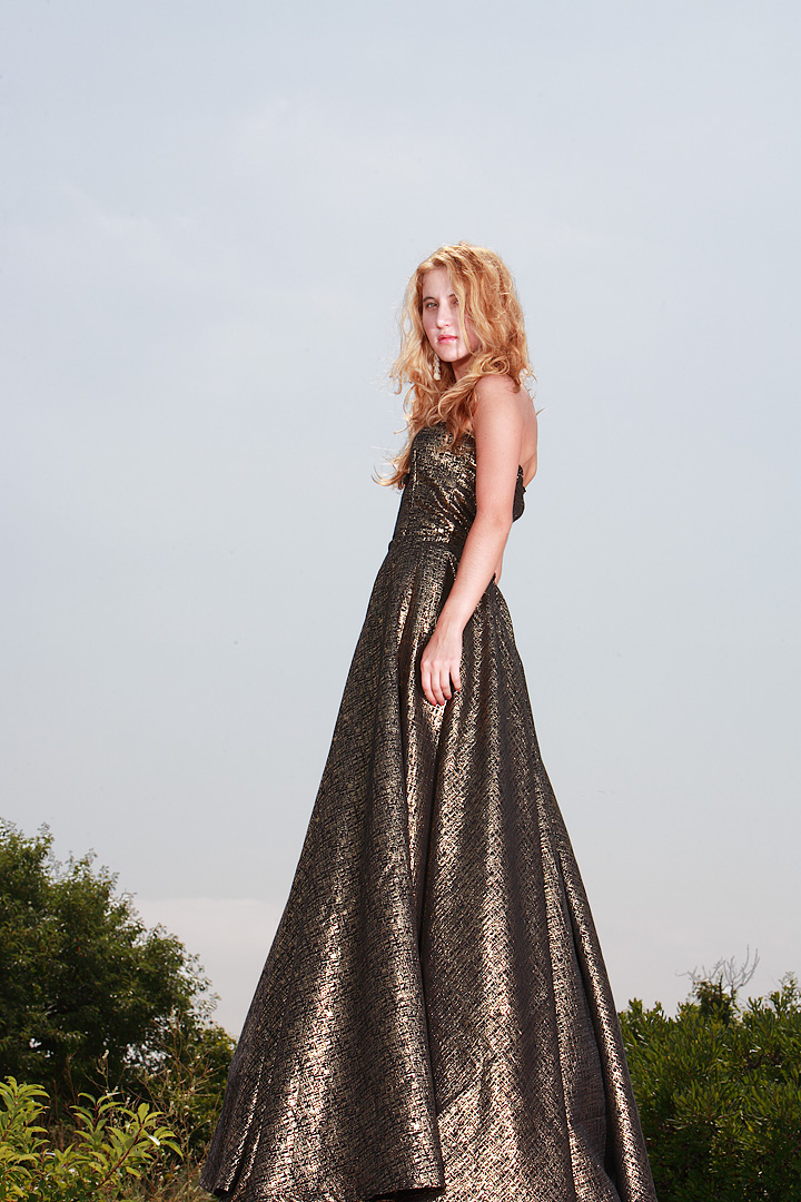 Female model photo shoot of nyana