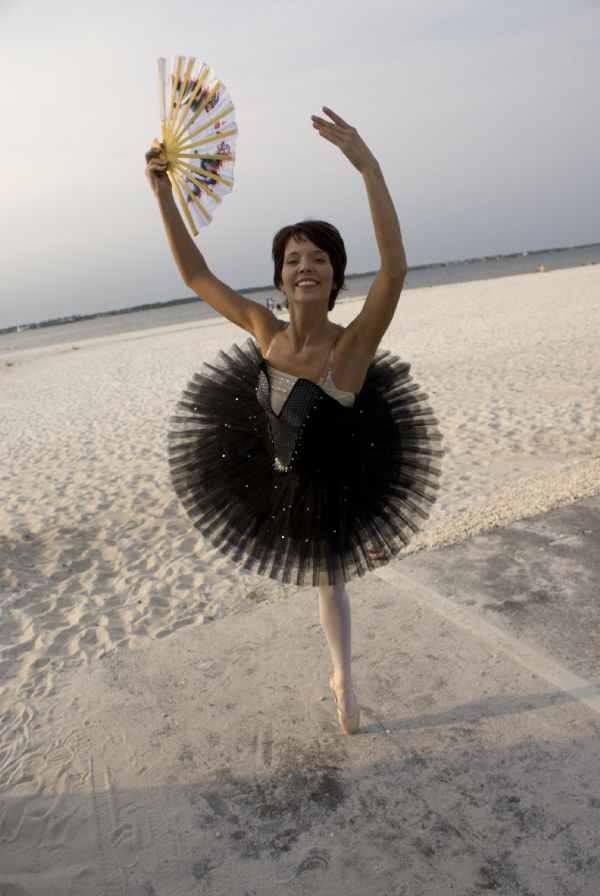 Pensacola Beach Sep 07, 2008 Rich Davis Amy, the bellibone ballerina