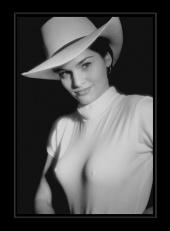 http://photos.modelmayhem.com/photos/080908/00/48c4a52088636_m.jpg