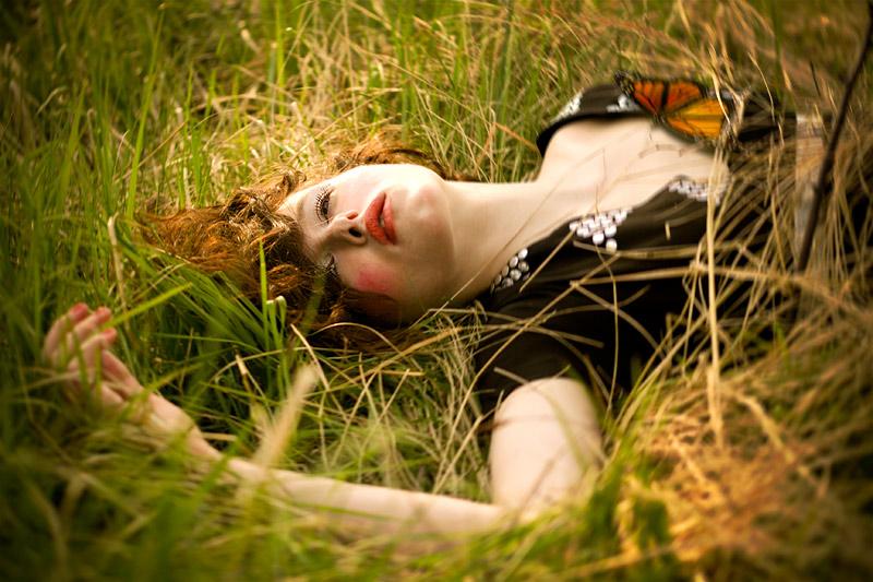http://photos.modelmayhem.com/photos/080909/10/48c68b08914c5.jpg