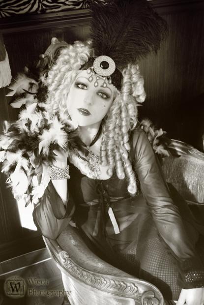 Mtl Sep 19, 2008 Wicca Photography Take 2 - Miss Izabo