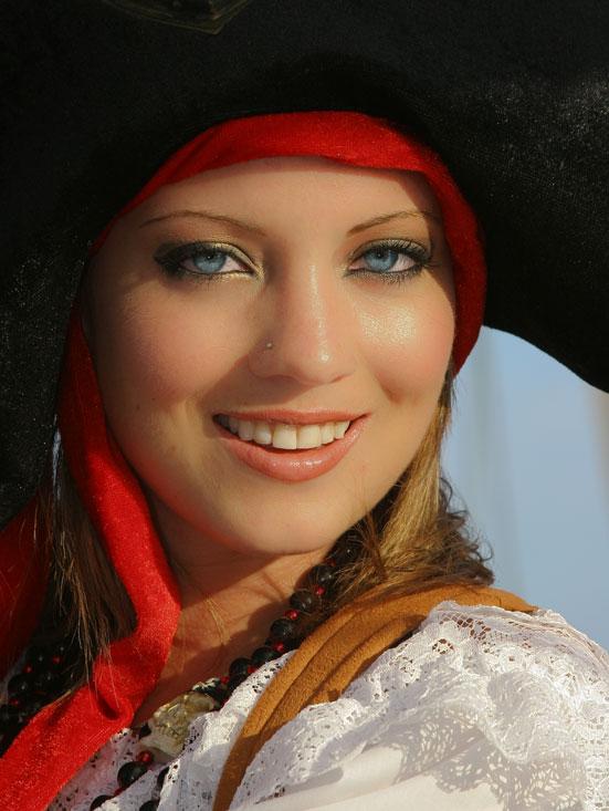 Sep 25, 2008 Holly Blue Eyes