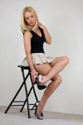 http://photos.modelmayhem.com/photos/081003/21/48e6c04dda471_m.jpg