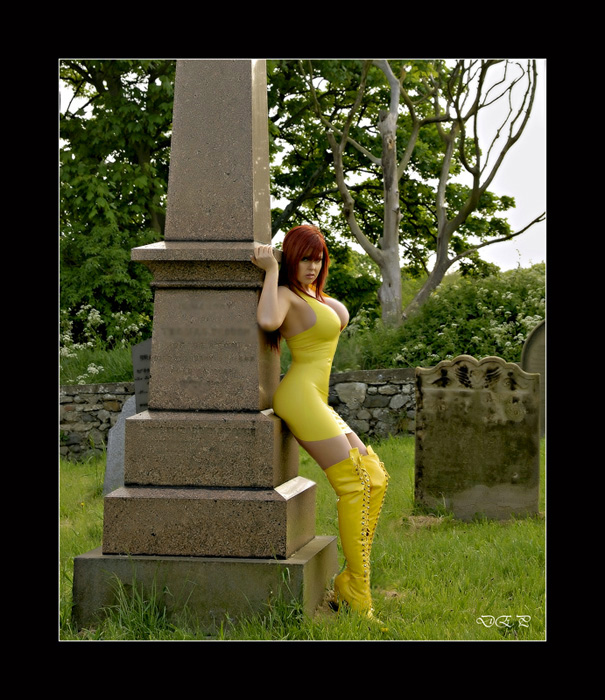 graveyard Oct 08, 2008 david evans yellow rubber