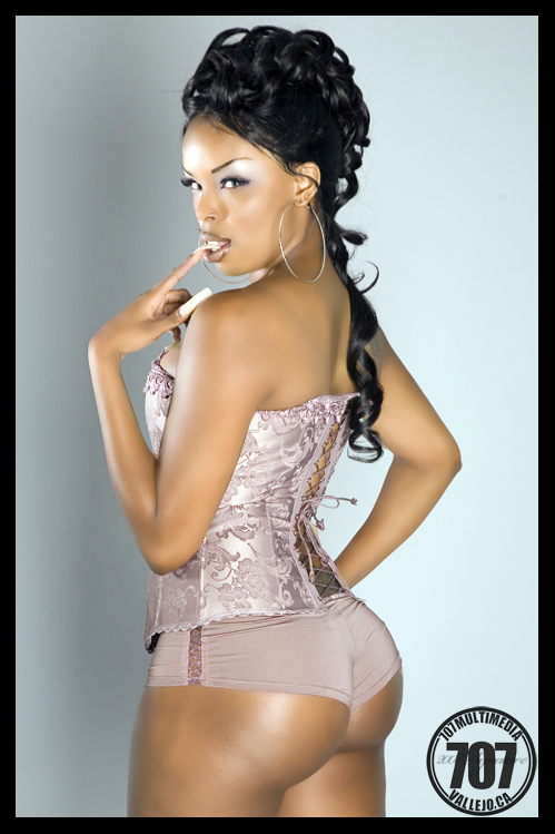 Female model photo shoot of Nicole Dixie by 707 Multimedia, hair styled by Kimiya Stylz