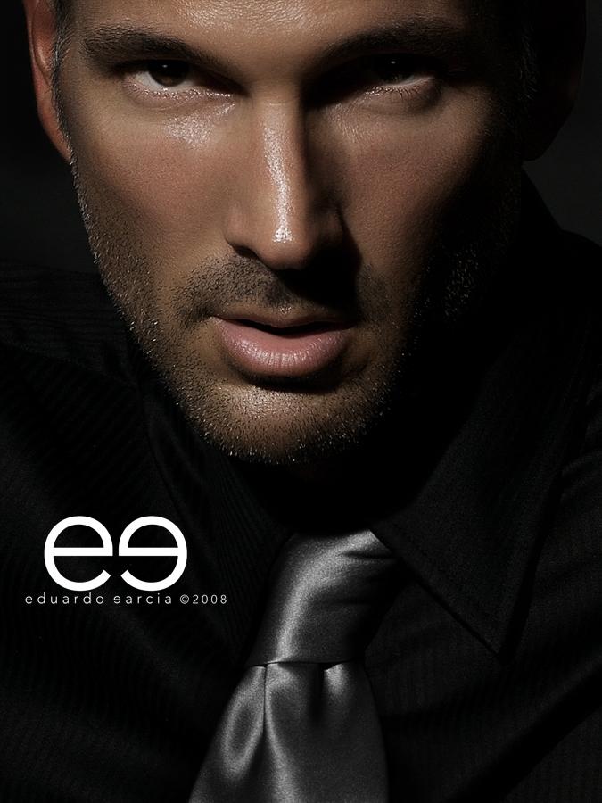 Oct 19, 2008 Eduardo Garcia / Styling: eg / slimster S I L V E R / A N D / B L A C K