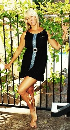 Female model photo shoot of Something else
