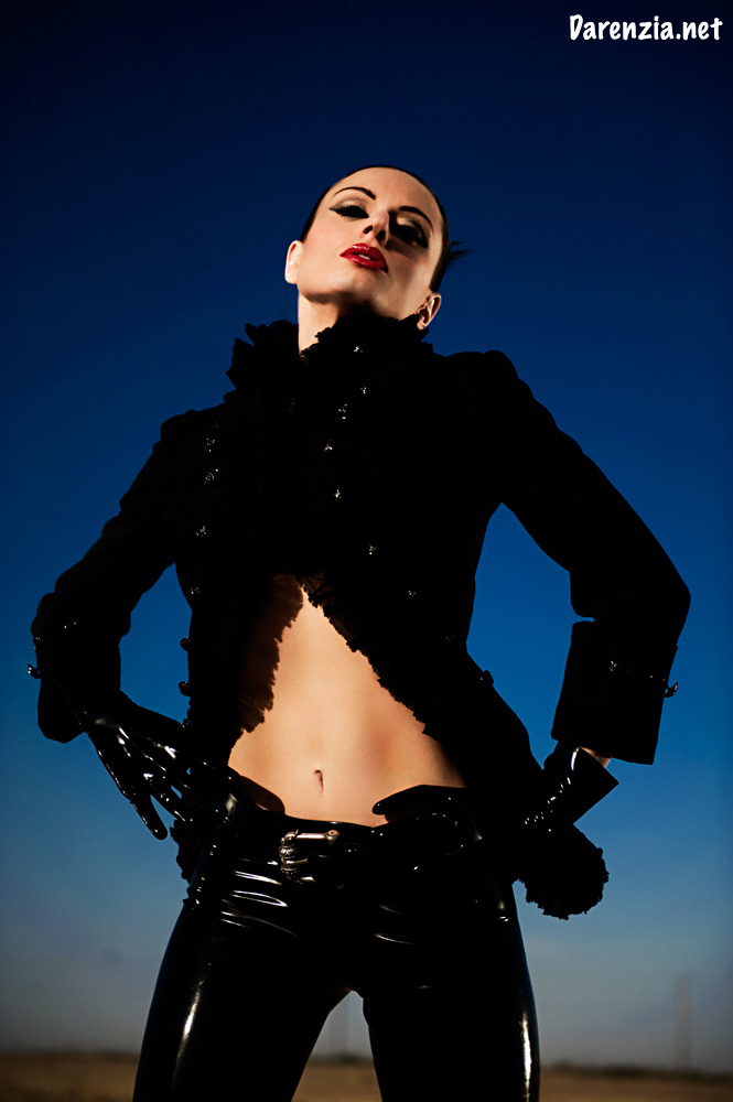 Oct 24, 2008 I need to update my port with more of my new stuff like this! lol jacket/belt Alexander McQueen, latex pants/gloves Vex