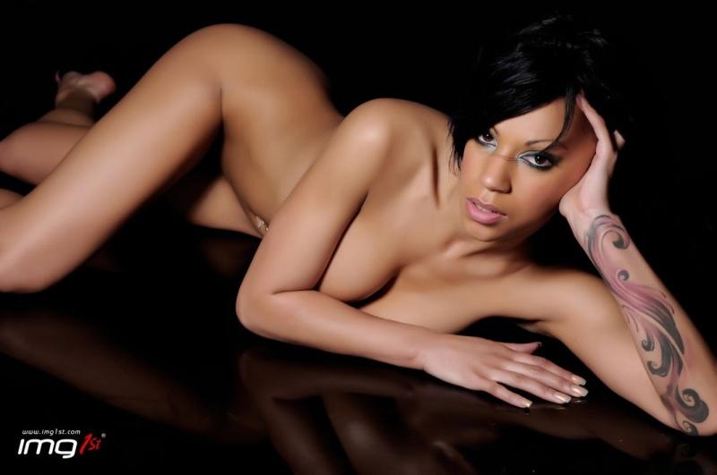 Female model photo shoot of teta-maria