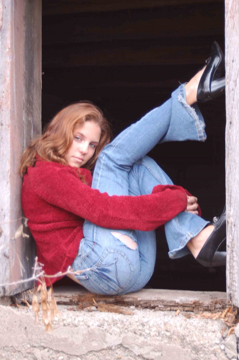 Female model photo shoot of Kassy Greenwood by freds photo niagara in Welland