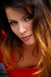 http://photos.modelmayhem.com/photos/081101/19/490ce868b165a_m.jpg