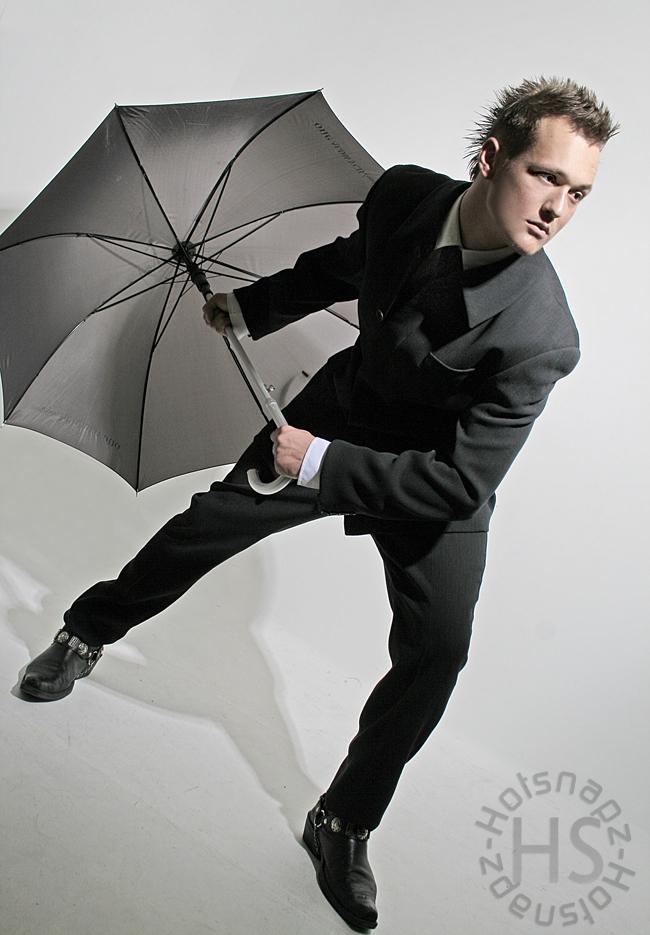 London Studio Nov 02, 2008 Hotsnapz Windy day
