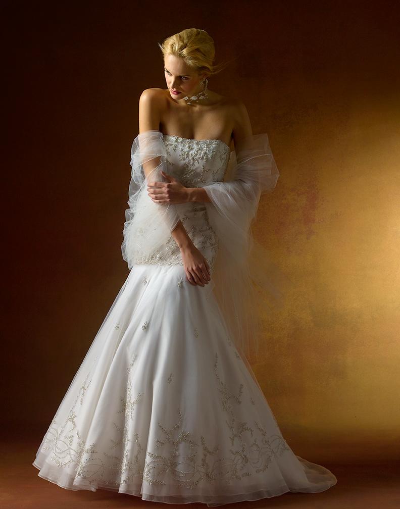 studio Nov 11, 2008 ©2008 Dan Howell Marlene Q/NYC NoOrdinary Bride ad in Martha Stewart Weddings