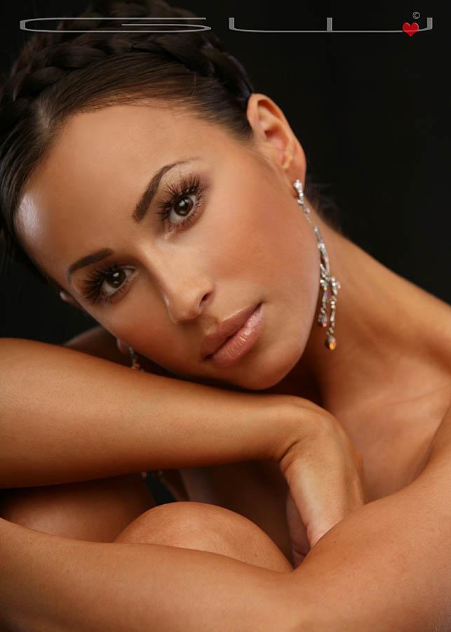 Nov 14, 2008 Makeup and Hair - Natalia Muntean