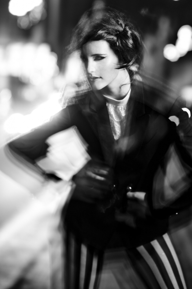 Female model photo shoot of LauraLouise