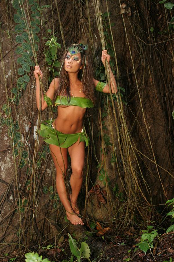 costa rica Nov 16, 2008 GW Burns queen of the jungle