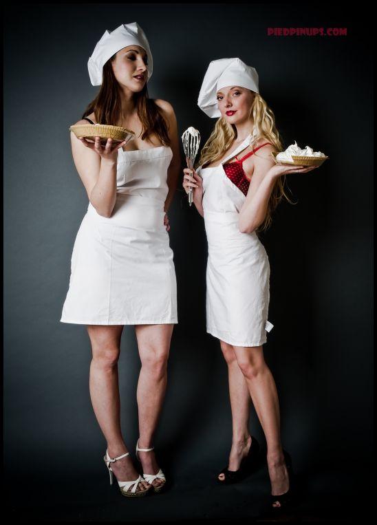 Nov 21, 2008 piedpinups.com Rival Bakers