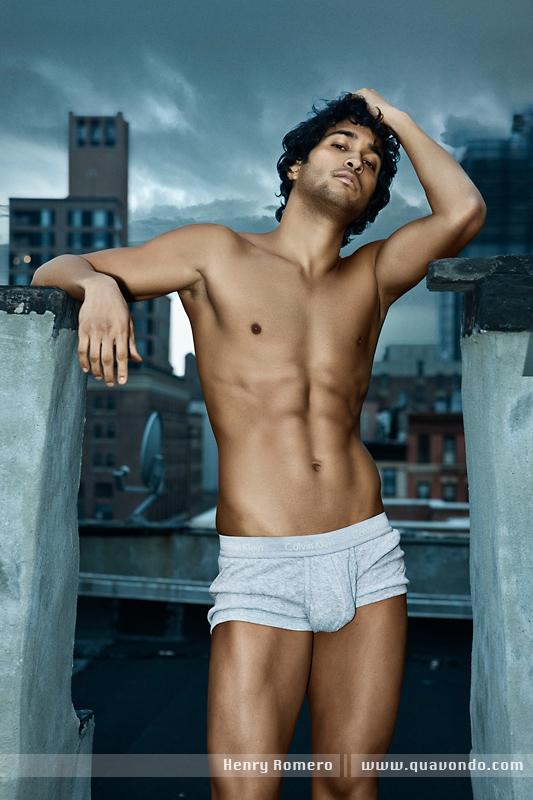 Male model photo shoot of Quavondo