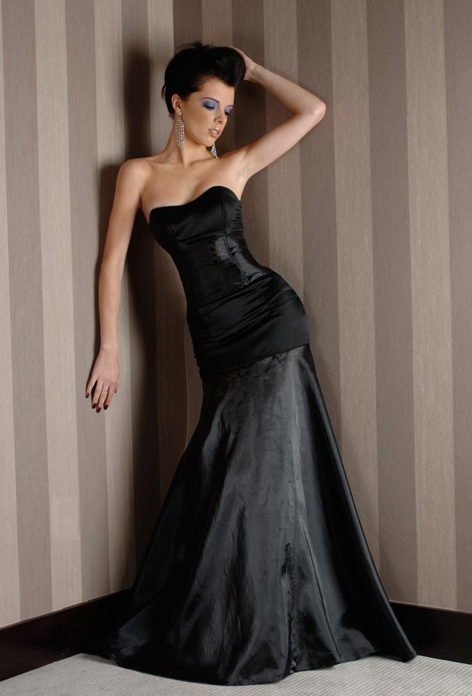 Female model photo shoot of Jolie Louise  in Mal Maison