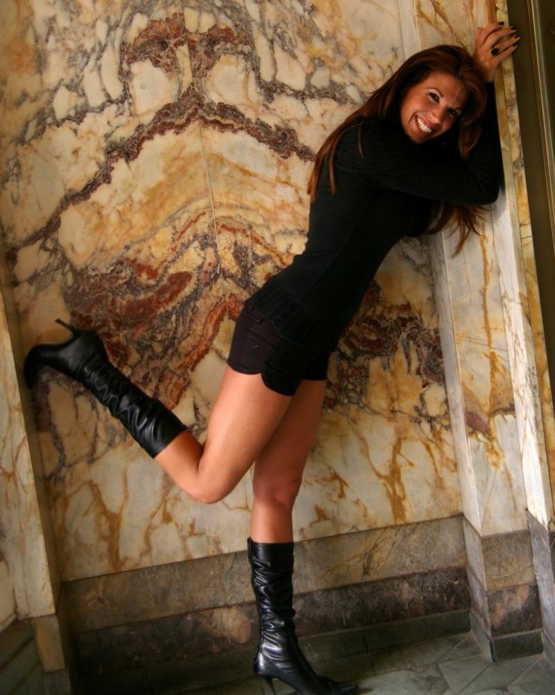 Female model photo shoot of Erin Mackenzie
