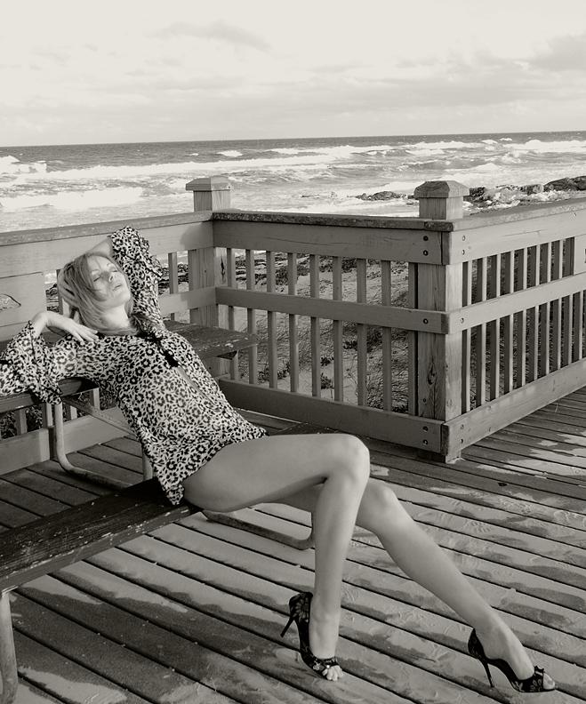 Florida Nov 24, 2008 Harold Glit Photography Show of legs XI
