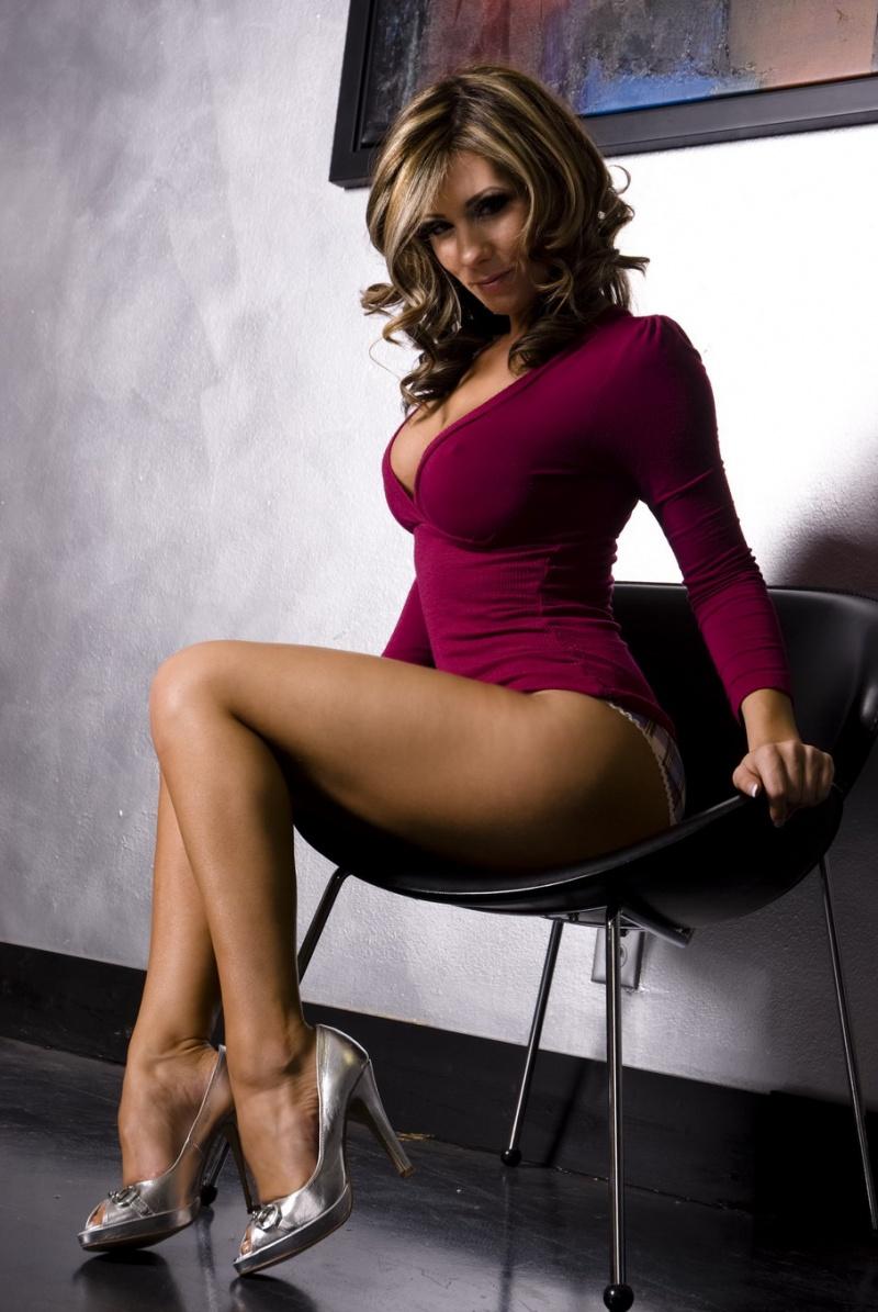 Female model photo shoot of TiffanyJewel