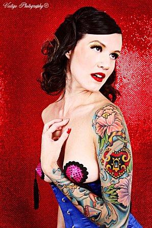 Female model photo shoot of Kirsten Jensen in VEGAS
