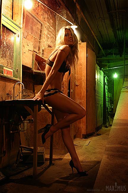 Nov 29, 2008 © MAX!MUS  Model: Summer Moss