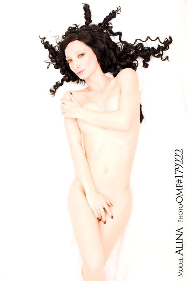 Female model photo shoot of Alina Belochka