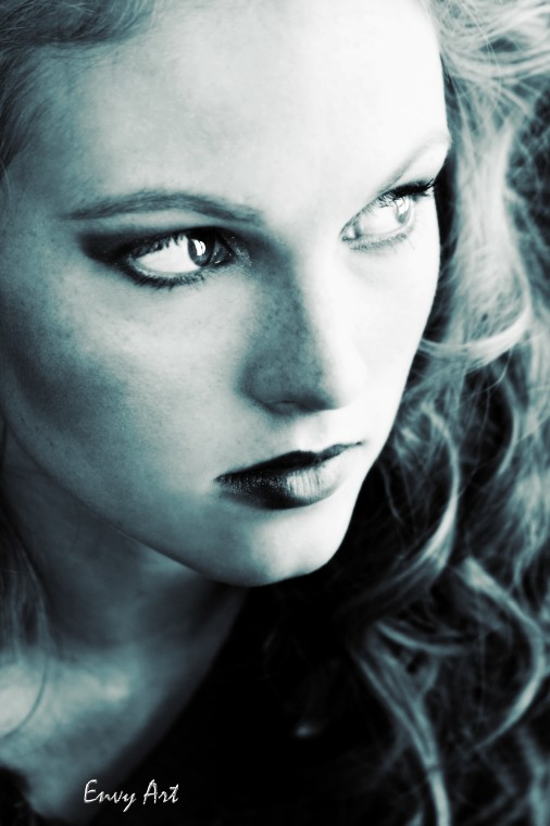 Skyline Salon (Muse Project) Nov 29, 2008 Model~Jessie Colonna Hair~Abby (The Last Tangle)