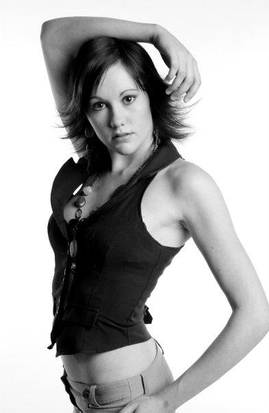 Female model photo shoot of 19BeCkI89