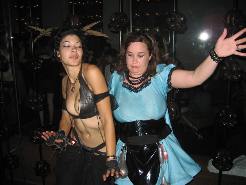 Dec 02, 2008 Dancing with Hygena at the premier of our show!