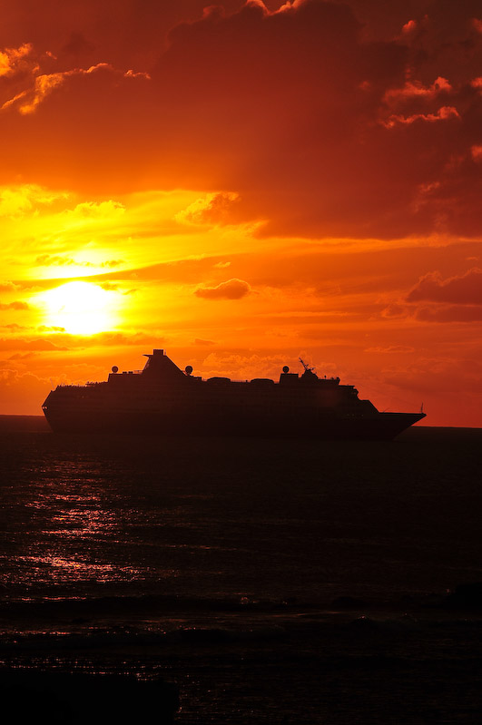 St. Maarten Dec 03, 2008 ©2008, Rich Drinkard Sailing into the sunset