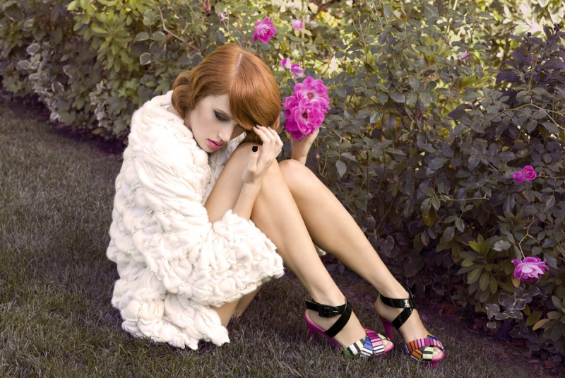 Dec 04, 2008 Zoey Grossman (Now in DuJours Art Issue) -- Sarah (Vision). Hair- Sunnie Brook. Styling- Cat Wennekamp