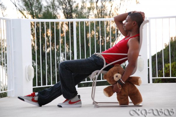 Male model photo shoot of KYSS