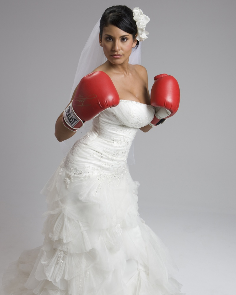 Dec 07, 2008 The Fighting Bride aka Bridezilla lol!