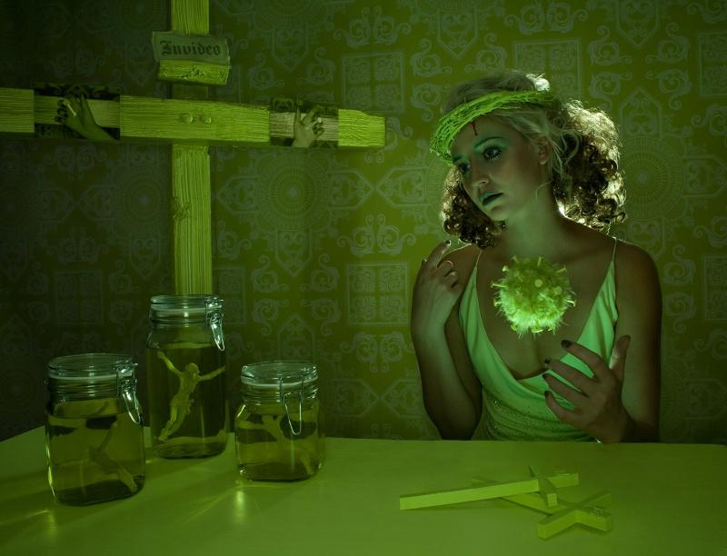 Dec 07, 2008 Green Madonna