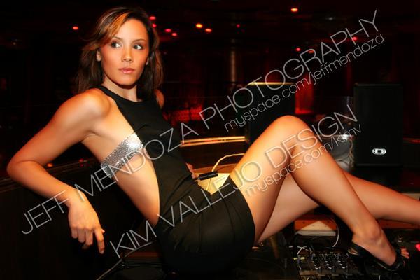 Female model photo shoot of Makana Marie