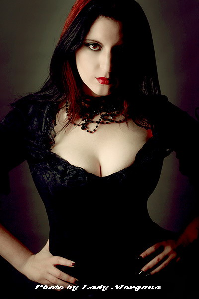 Colchester, UK Dec 10, 2008 Elle Von Munster/Lady Morgana @ http://www.iberianblackarts.com Gothic Beauty