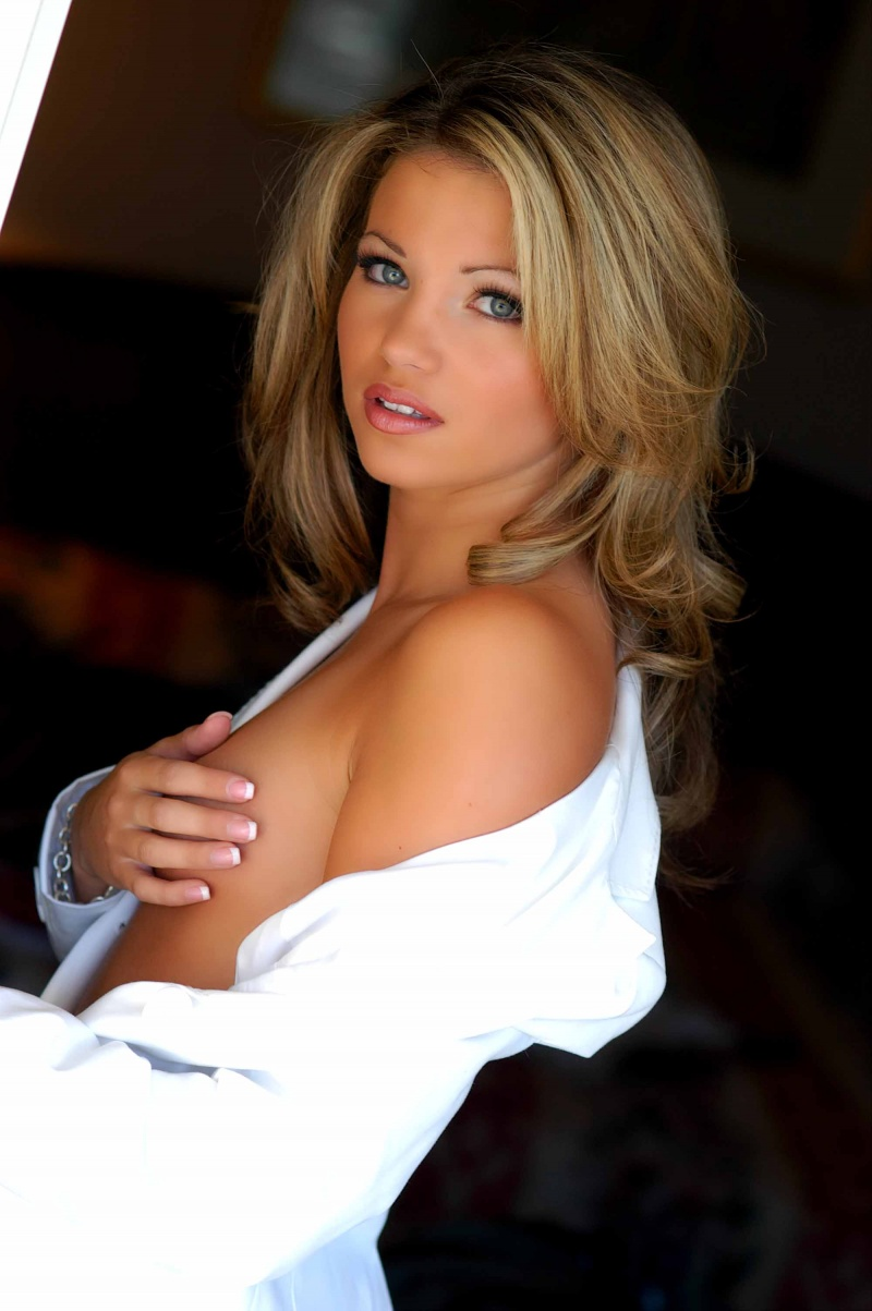 seattle Dec 11, 2008 marcyoungphotography amber lancaster The price is right girl!!