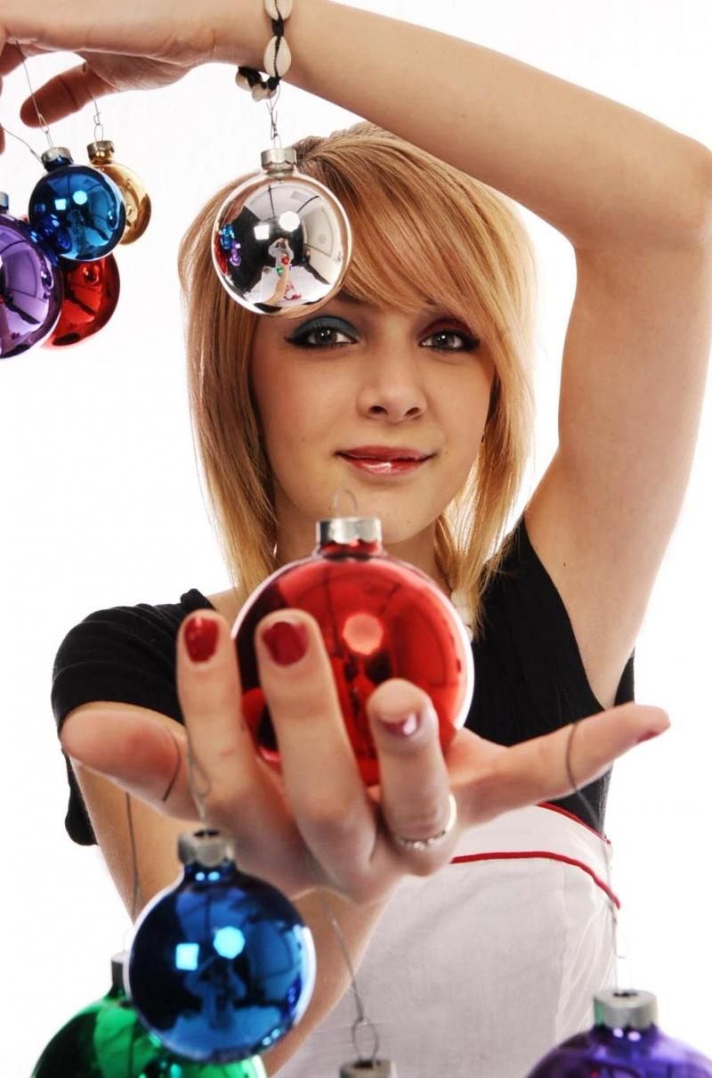 Dirk Linton Studio? Dec 12, 2008 Cody Winfrey & Chelsea E. (Model) & Gemmina O. (MUA) Tis the season!