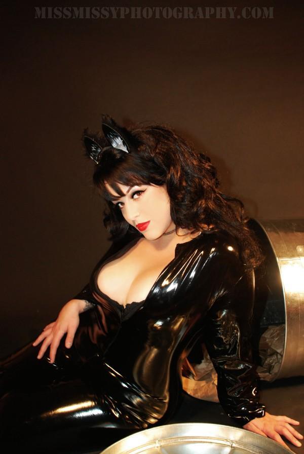 Dec 12, 2008 Miss Missy Kitten shoot